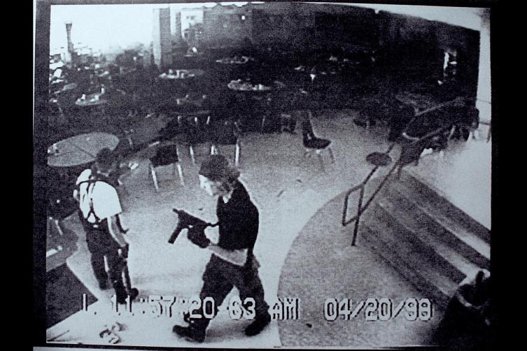Sparatoria a scuola: il massacro della Columbine High School