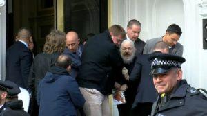 Libertà per Julian Assange: firma la petizione