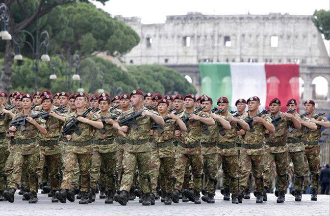 Festa della Repubblica, le Forze Armate sfilano al completo